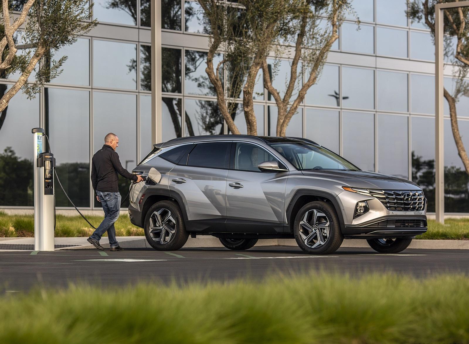 2022 Hyundai Tucson Plug-In Hybrid Front Three-Quarter Wallpapers  (9)