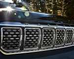 2022 Jeep Grand Wagoneer Grill Wallpapers 150x120 (32)