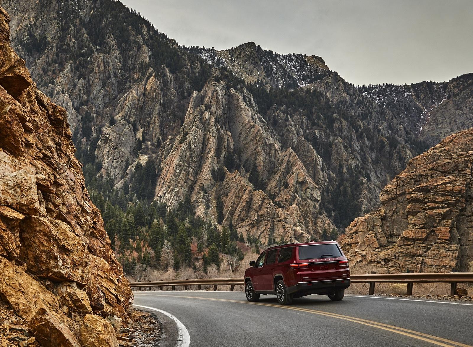 2022 Jeep Wagoneer Rear Three-Quarter Wallpapers  (10)
