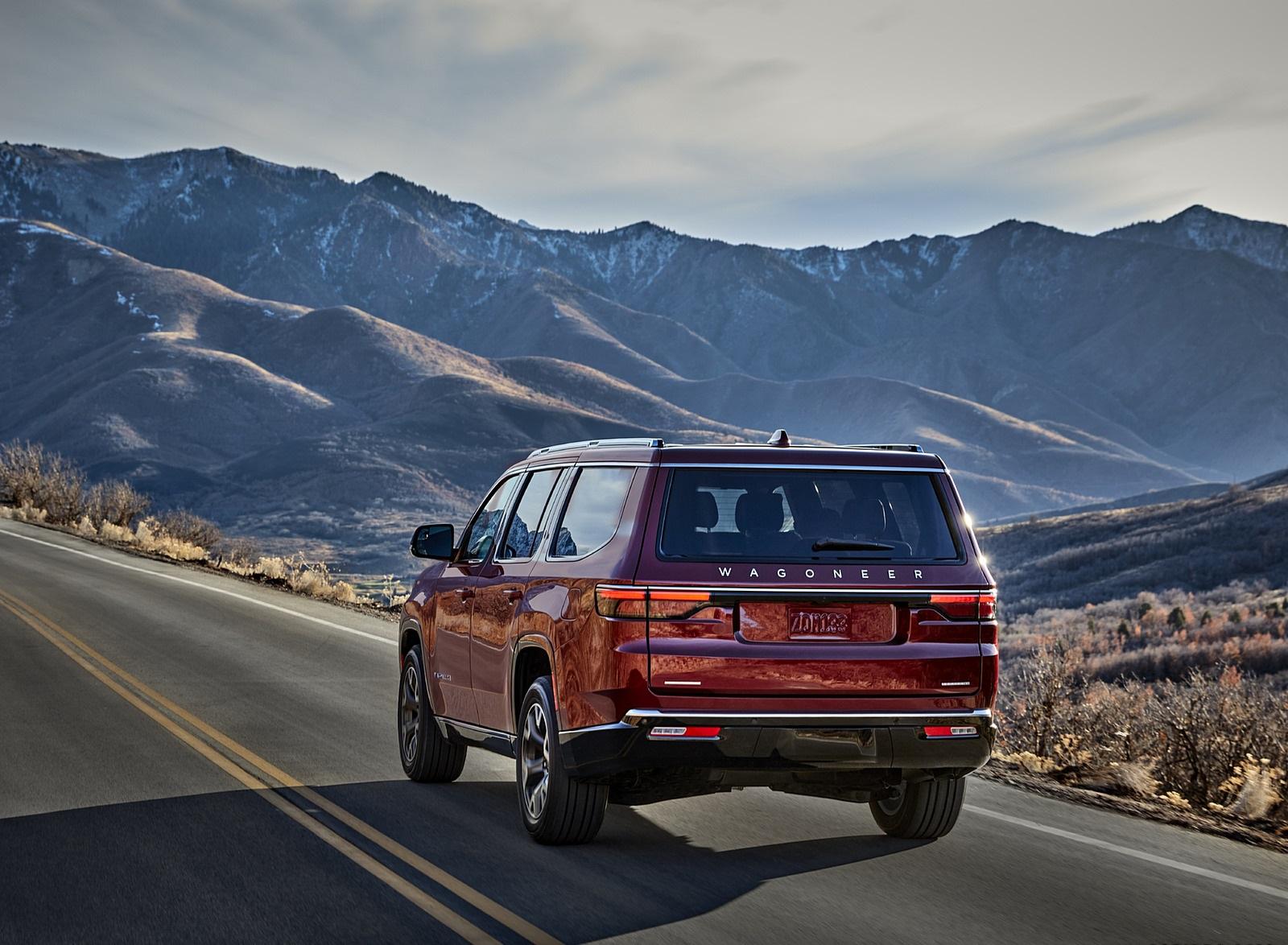 2022 Jeep Wagoneer Rear Three-Quarter Wallpapers  (5)