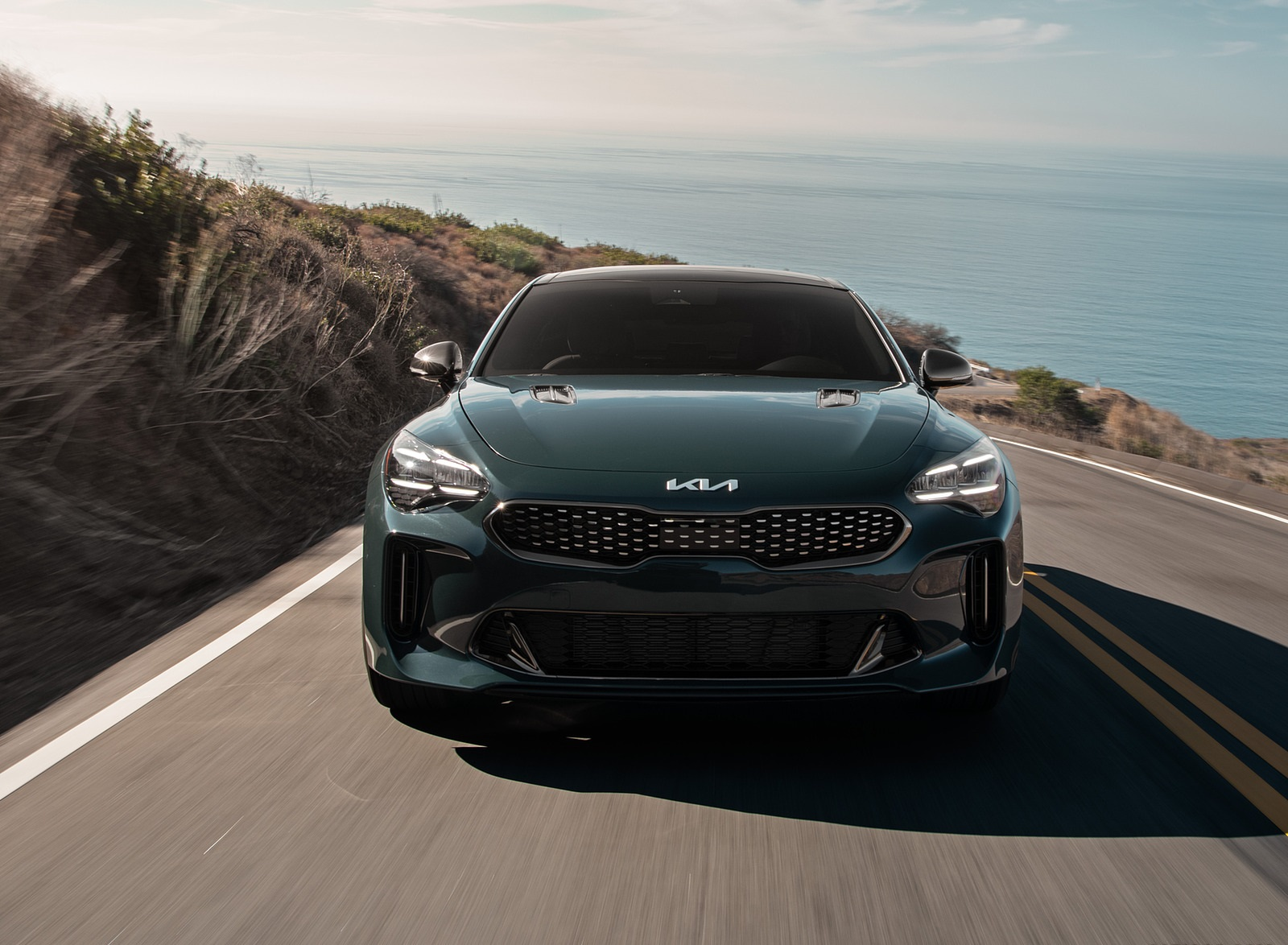 2022 Kia Stinger GT-Line Front Wallpapers (2)