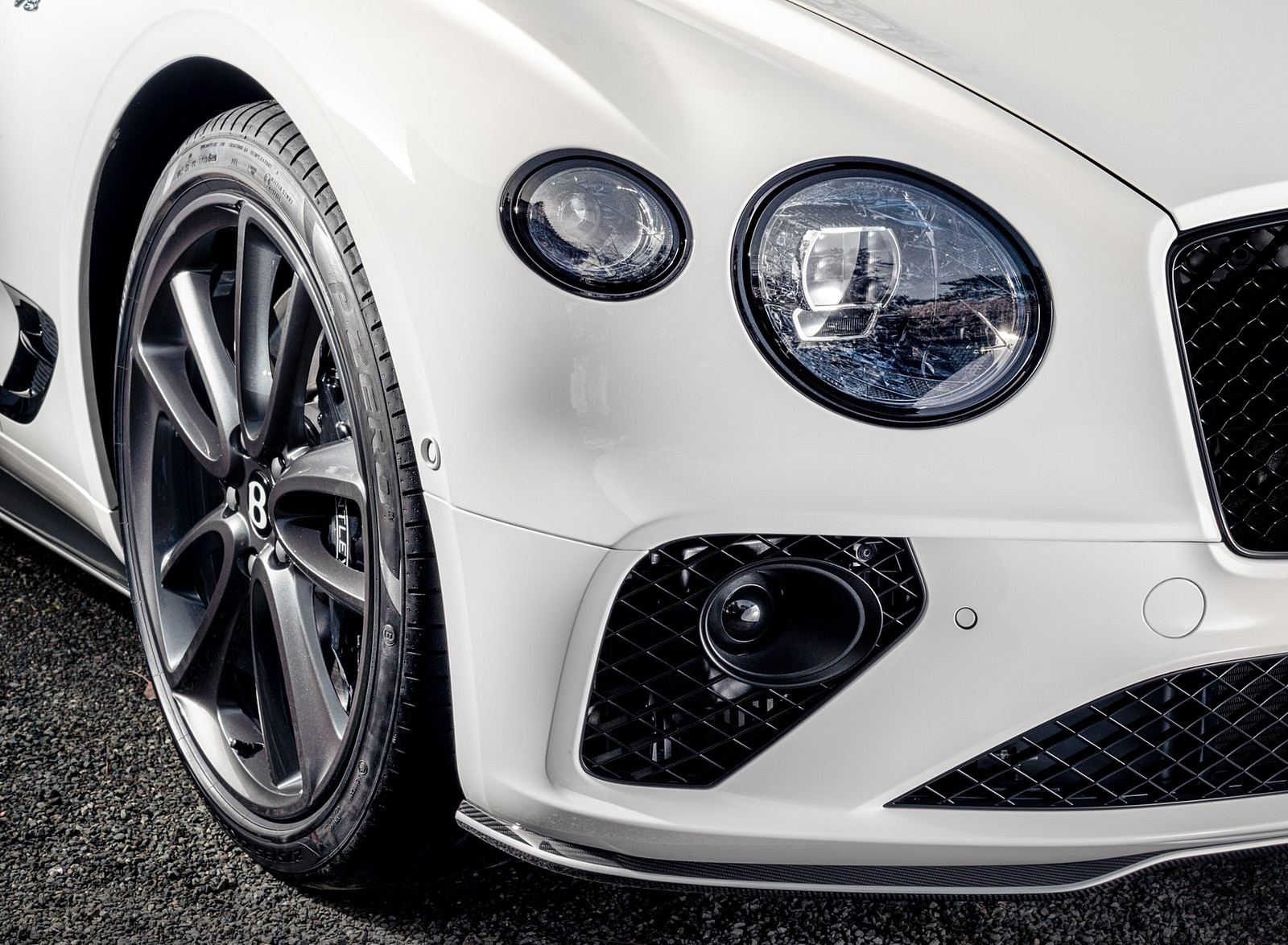 2021 Bentley Continental GT V8 Equinox Edition Headlight Wallpapers (4)