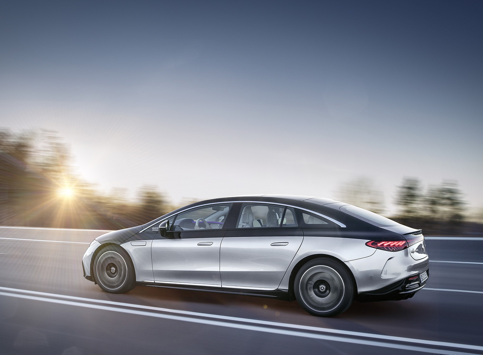 2022 Mercedes-Benz EQS 580 4MATIC AMG-Line Edition 1 (Color: High-Tech Silver Obsidian Black) Side Wallpapers (6)