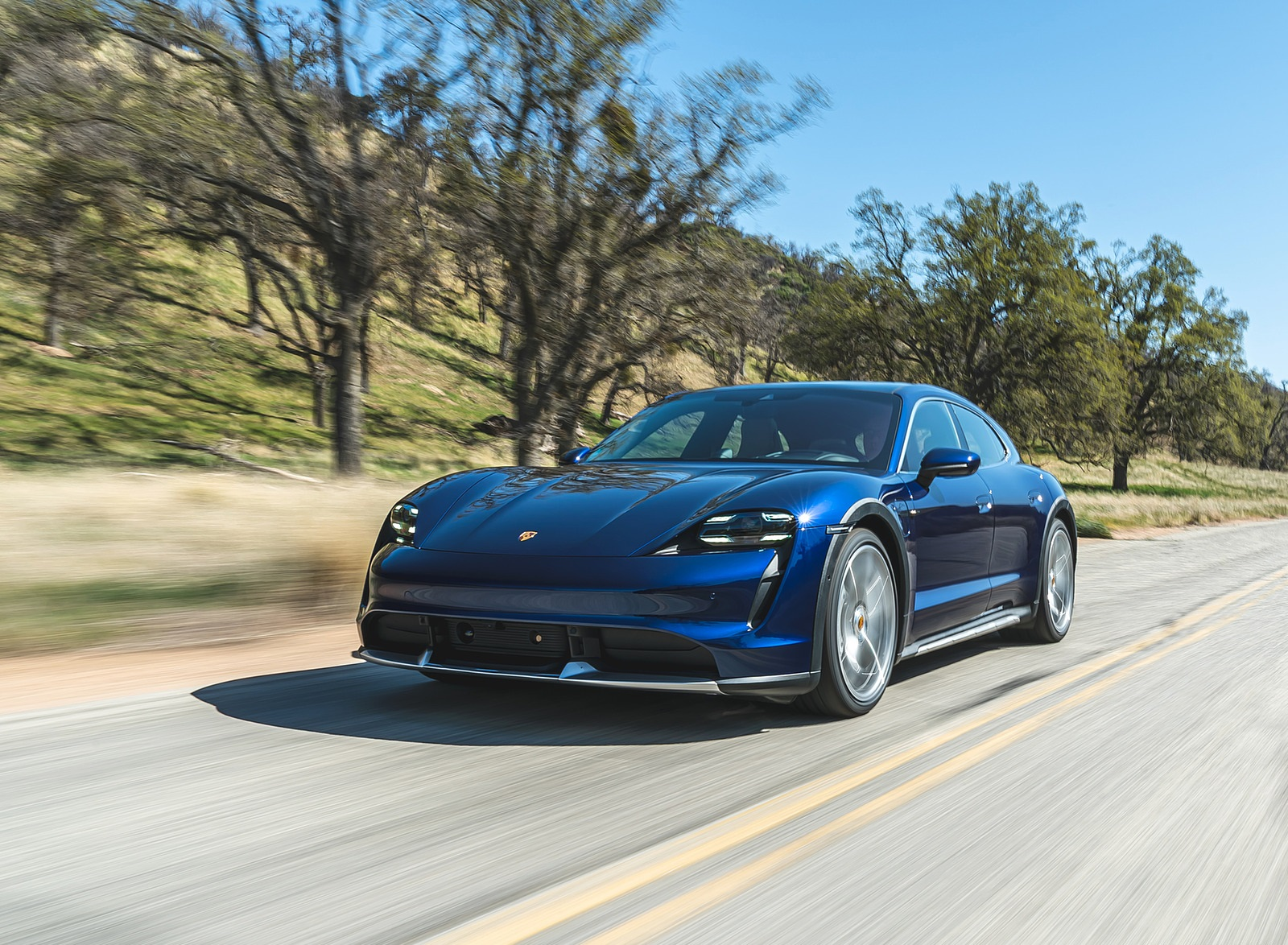 2022 Porsche Taycan Turbo Cross Turismo (Color: Gentian Blue) Front Three-Quarter Wallpapers (2)