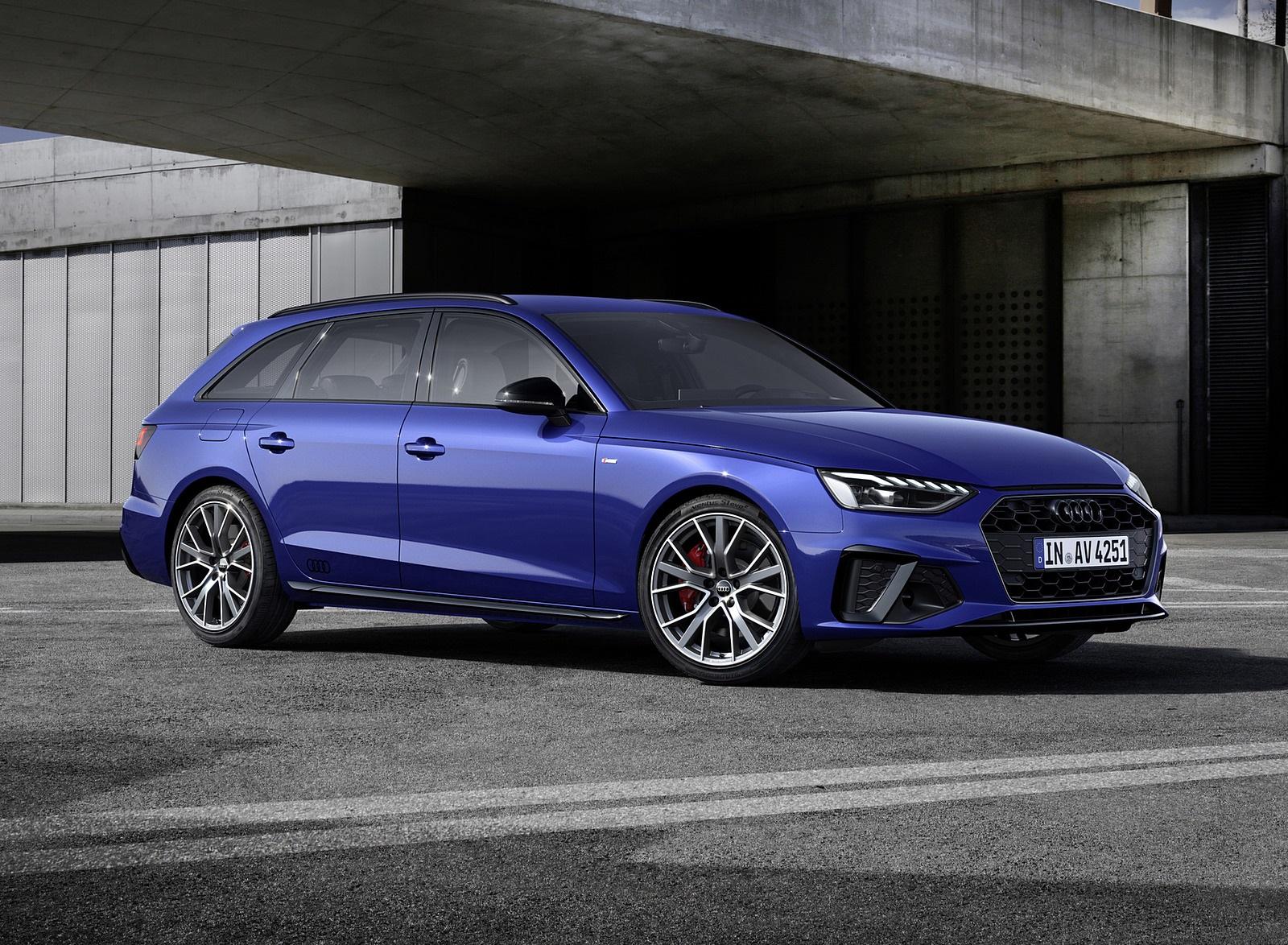 2022 Audi A4 Avant S Line Competition Plus (Color: Navarra Blue Metallic) Front Three-Quarter Wallpapers (7)