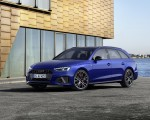 2022 Audi A4 Avant S Line Competition Plus (Color: Navarra Blue Metallic) Front Three-Quarter Wallpapers 150x120 (5)