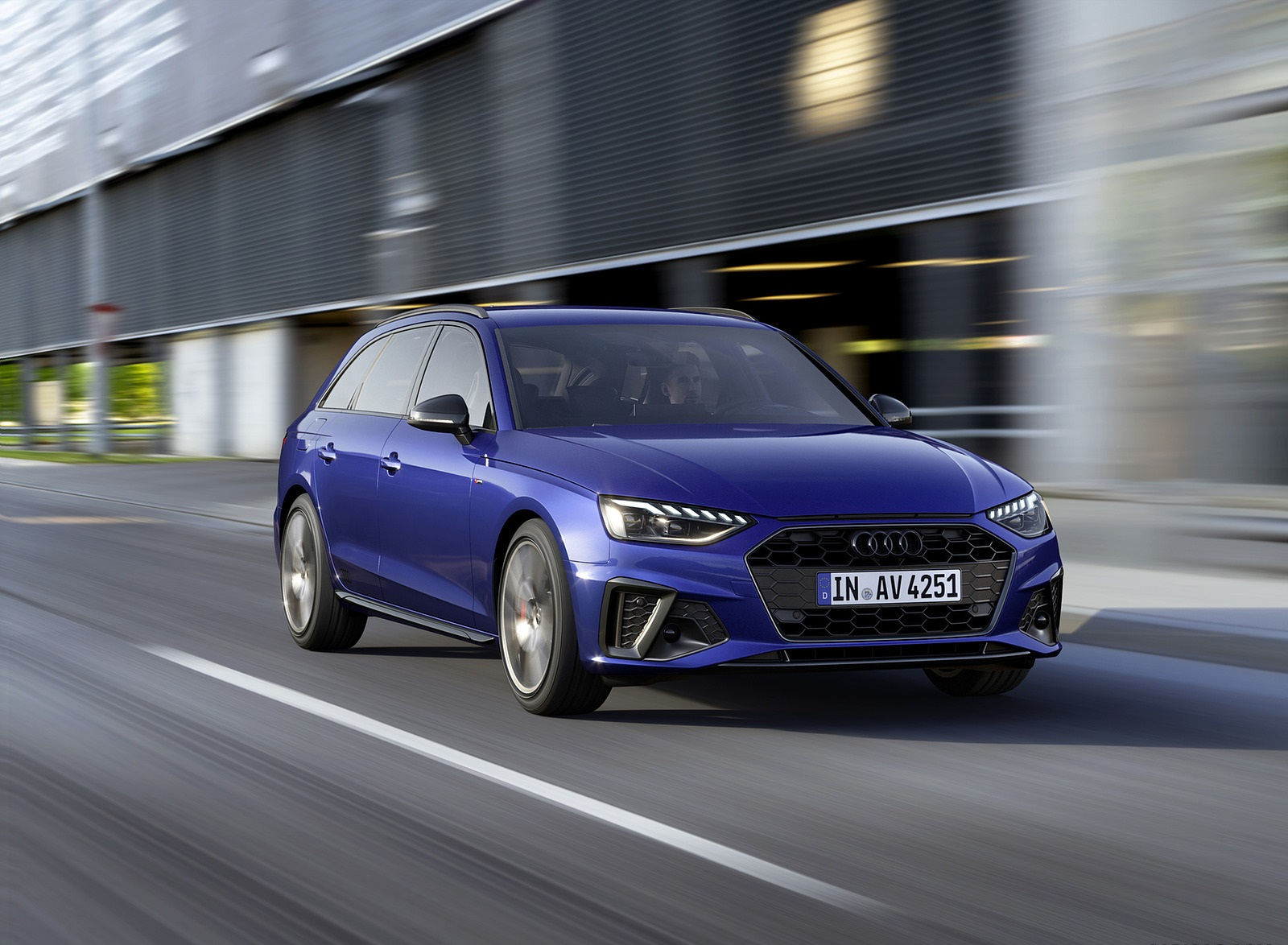 2022 Audi A4 Avant S Line Competition Plus (Color: Navarra Blue Metallic) Front Three-Quarter Wallpapers (3)