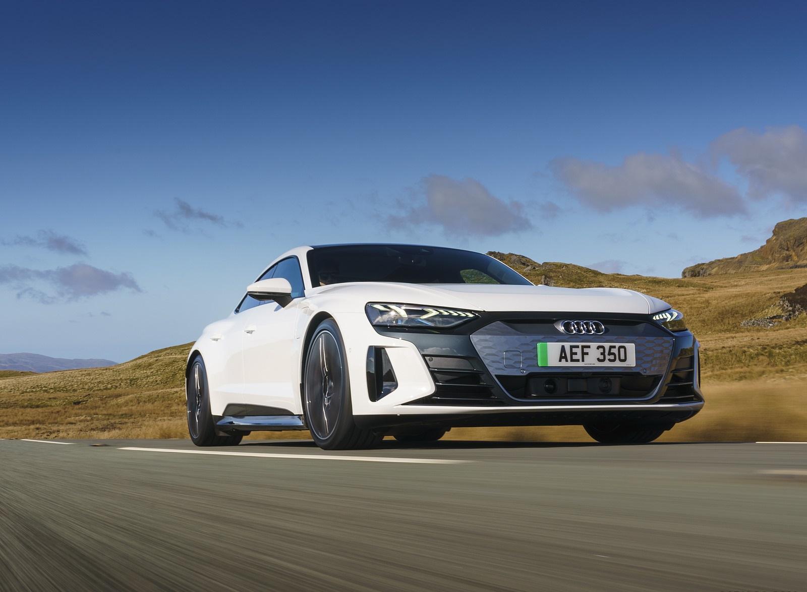 2022 Audi e-tron GT (UK-Spec) Front Three-Quarter Wallpapers  (6)