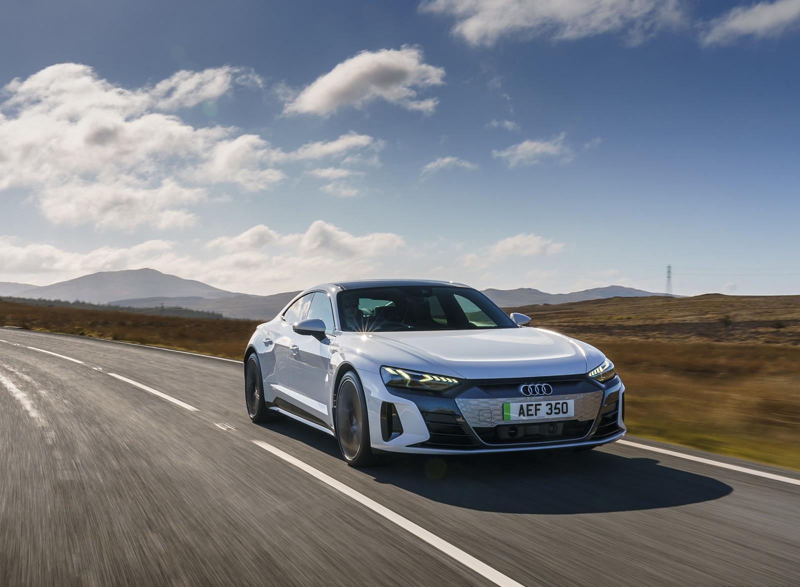 2022 Audi e-tron GT (UK-Spec) Front Three-Quarter Wallpapers (7)