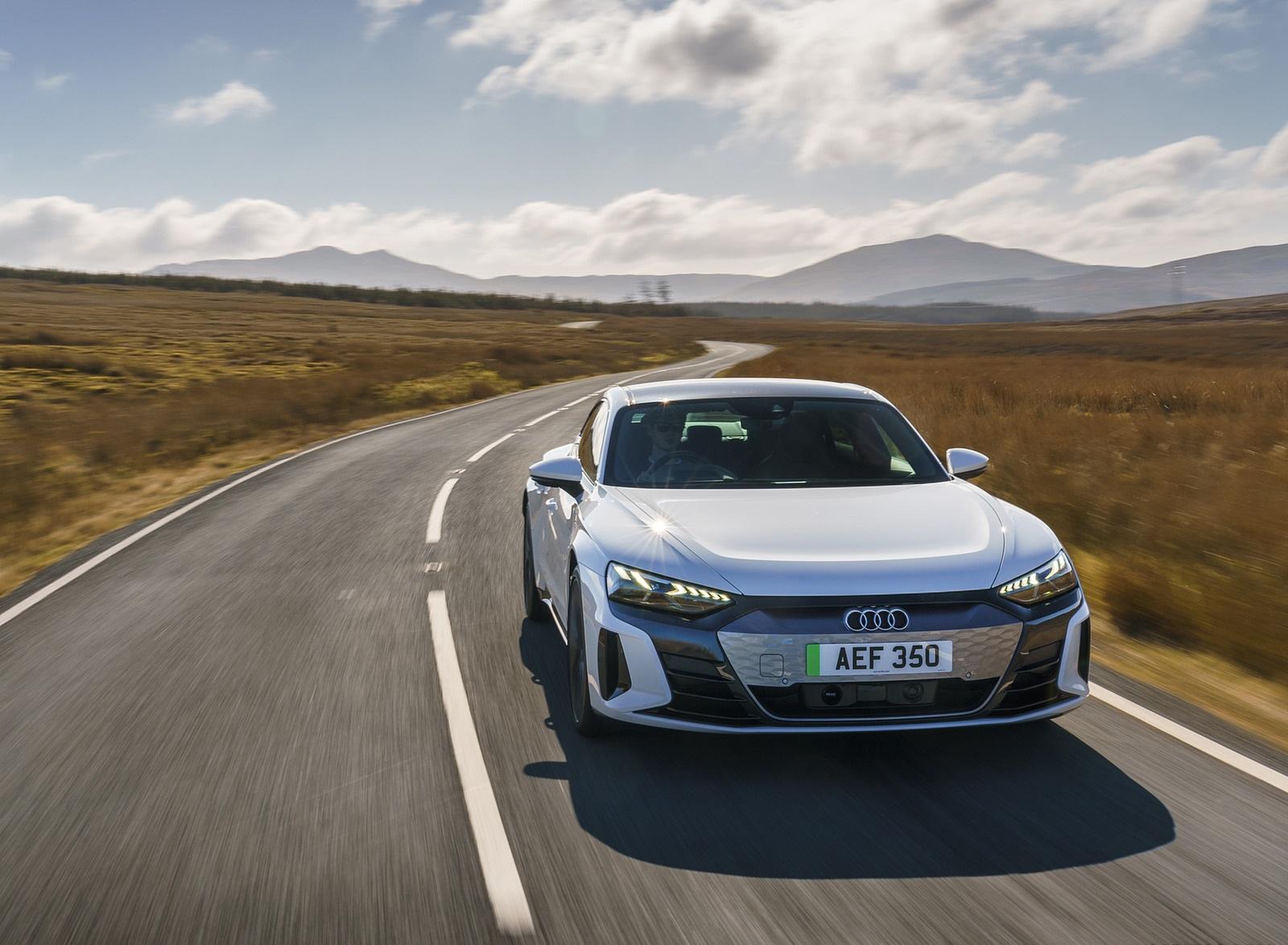 2022 Audi e-tron GT (UK-Spec) Front Wallpapers  (3)