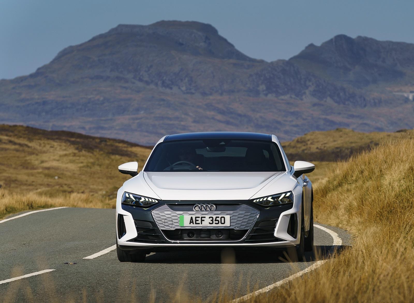 2022 Audi e-tron GT (UK-Spec) Front Wallpapers (9)