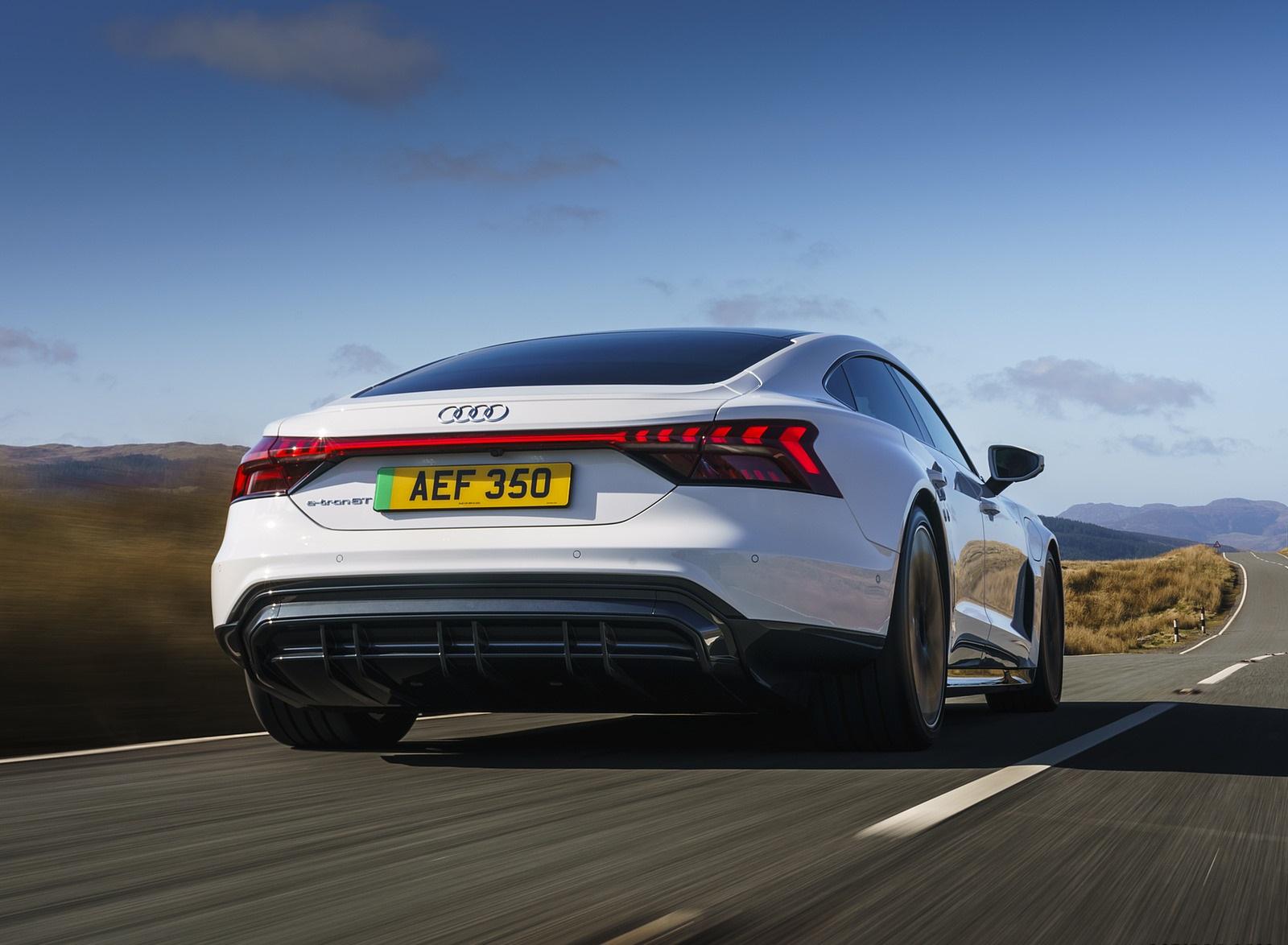 2022 Audi e-tron GT (UK-Spec) Rear Wallpapers (5)