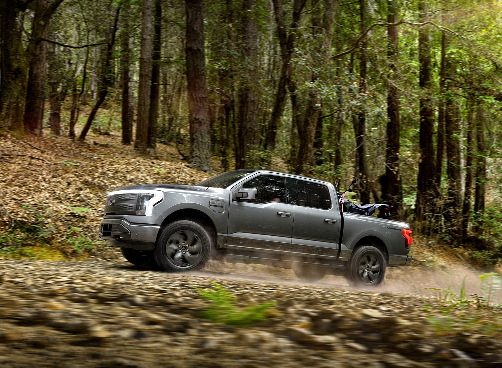 2022 Ford F-150 Lightning Lariat Side Wallpapers (6)