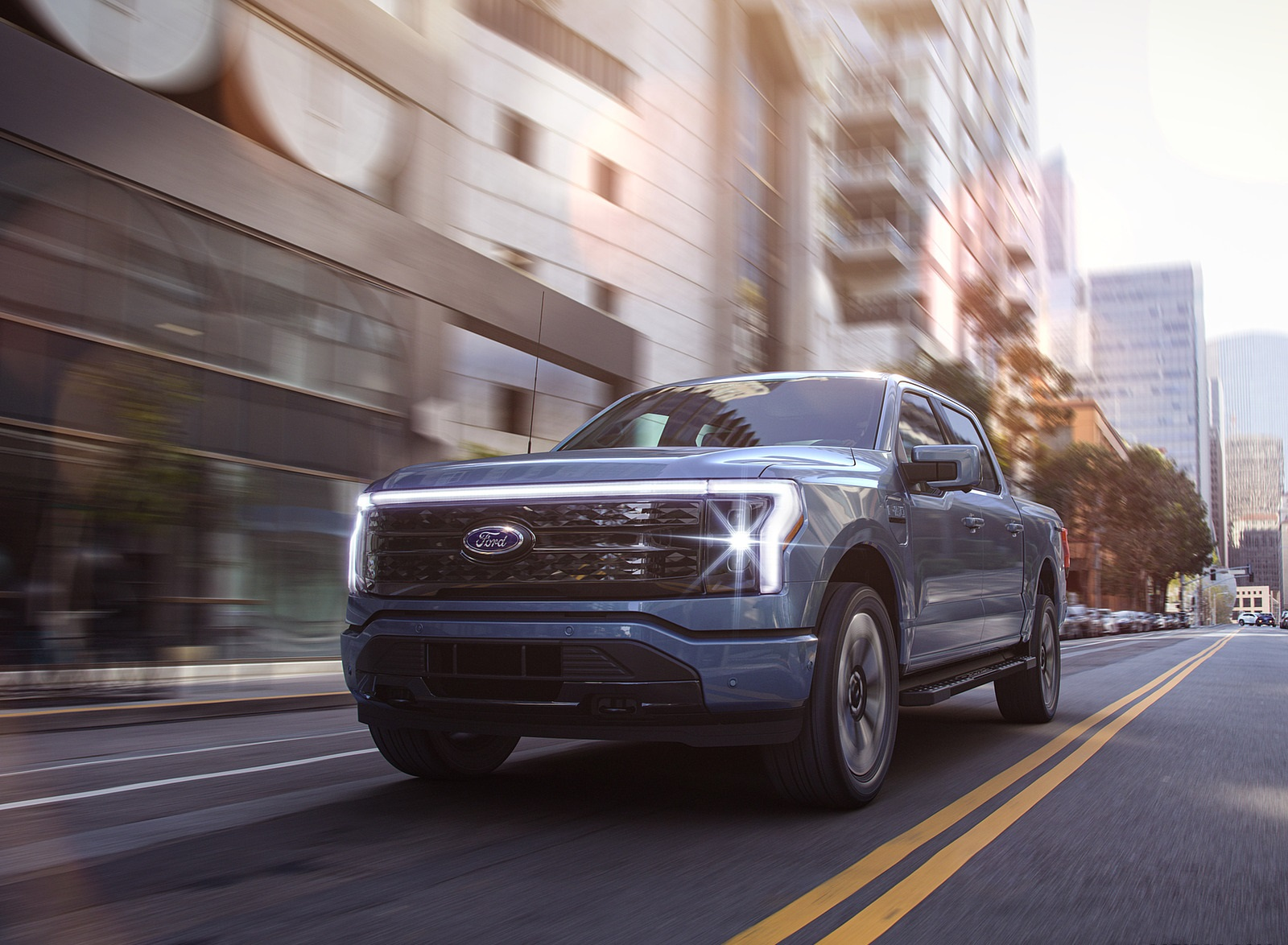 2022 Ford F-150 Lightning Platinum Front Wallpapers (3)