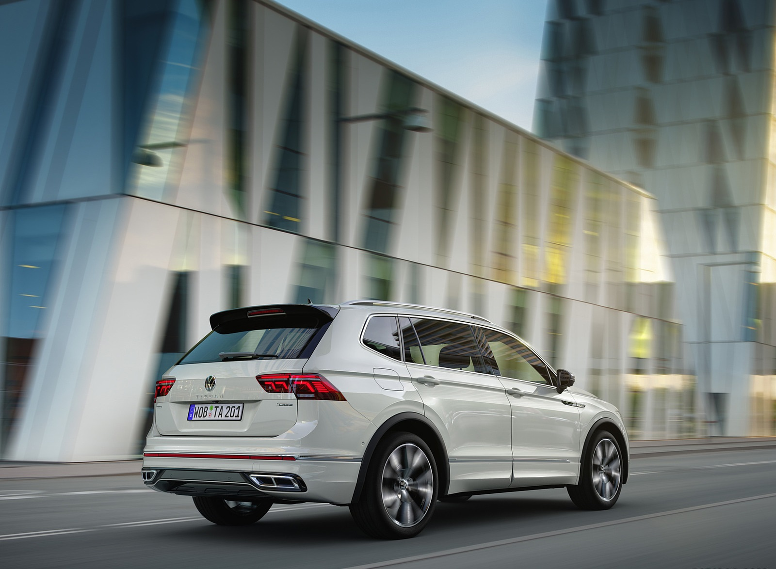 2022 Volkswagen Tiguan Allspace Rear Three-Quarter Wallpapers (6)