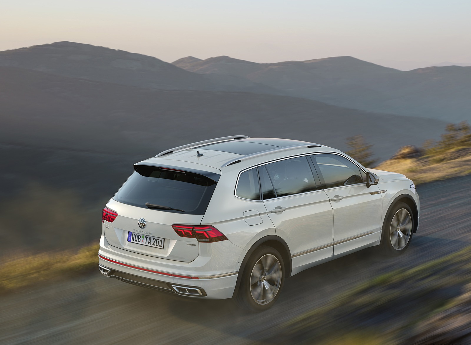 2022 Volkswagen Tiguan Allspace Rear Three-Quarter Wallpapers (3)