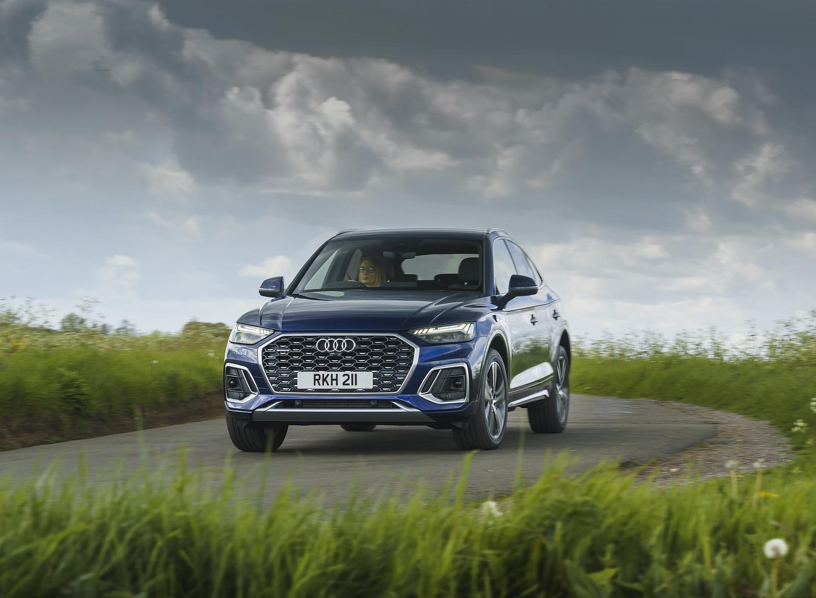 2021 Audi Q5 Sportback (UK-Spec) Front Wallpapers  (8)