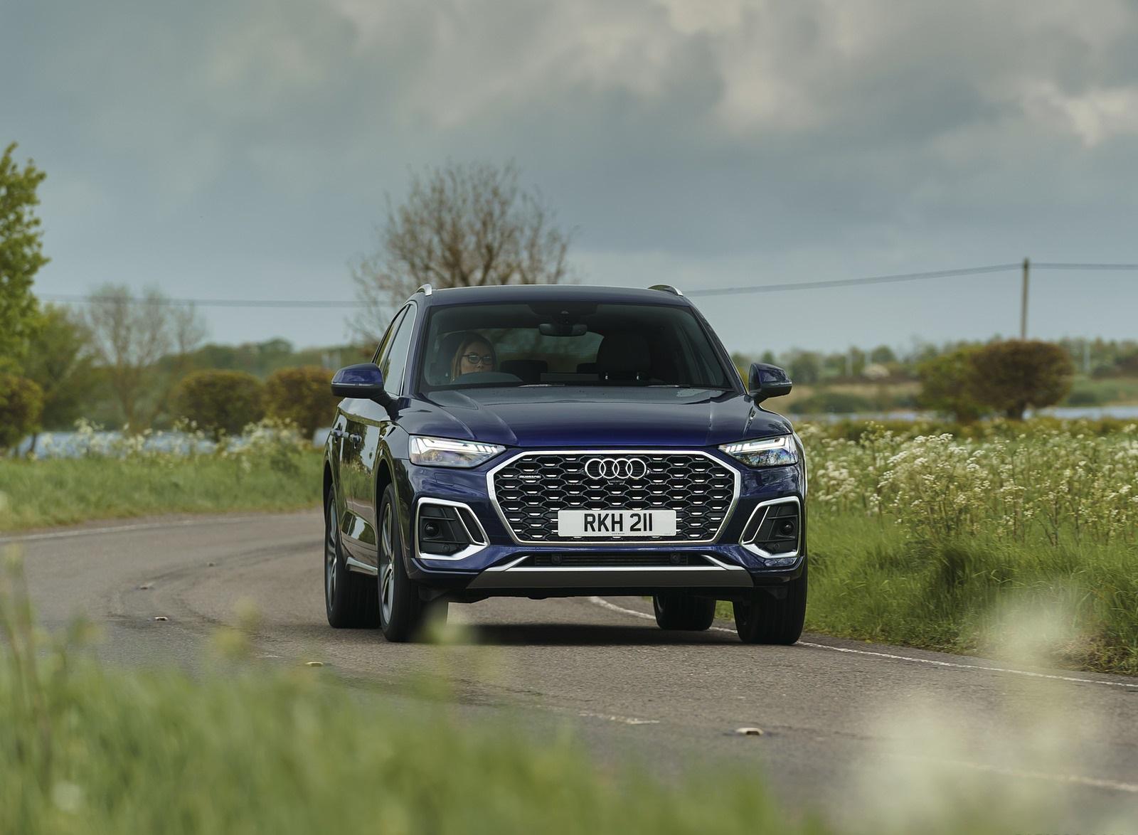 2021 Audi Q5 Sportback (UK-Spec) Front Wallpapers  (9)