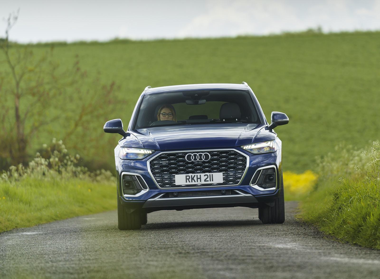 2021 Audi Q5 Sportback (UK-Spec) Front Wallpapers  (10)