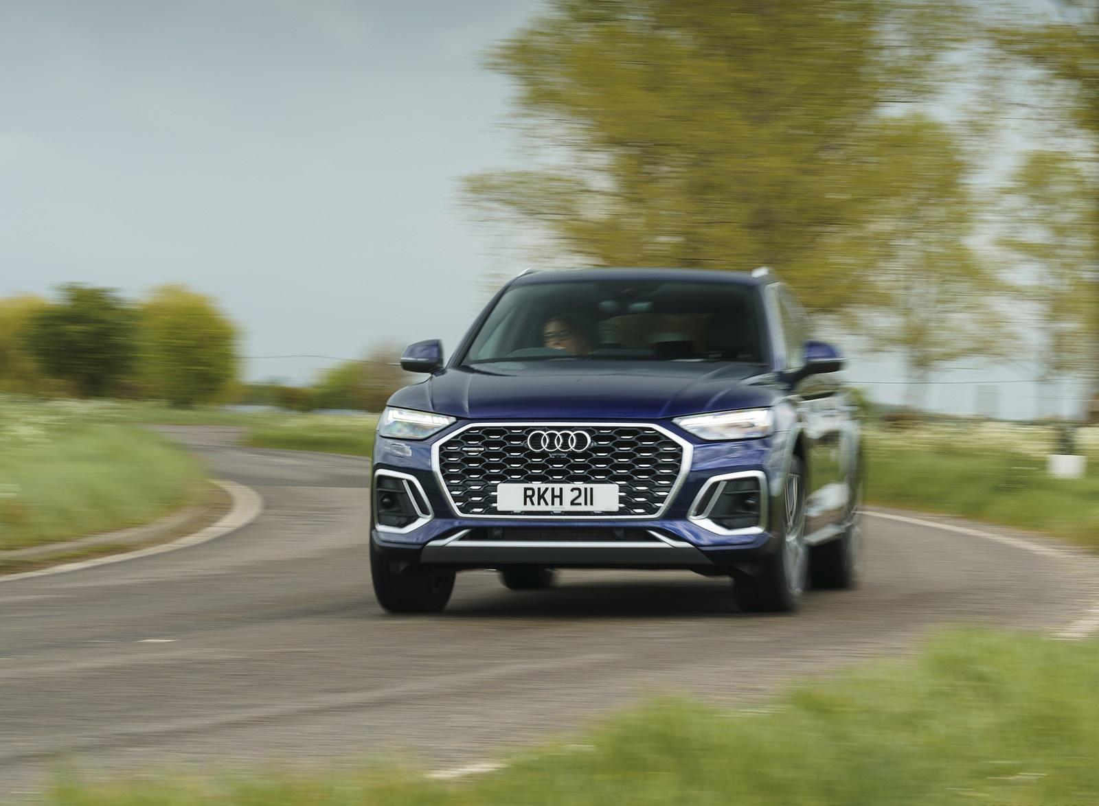 2021 Audi Q5 Sportback (UK-Spec) Front Wallpapers (4)