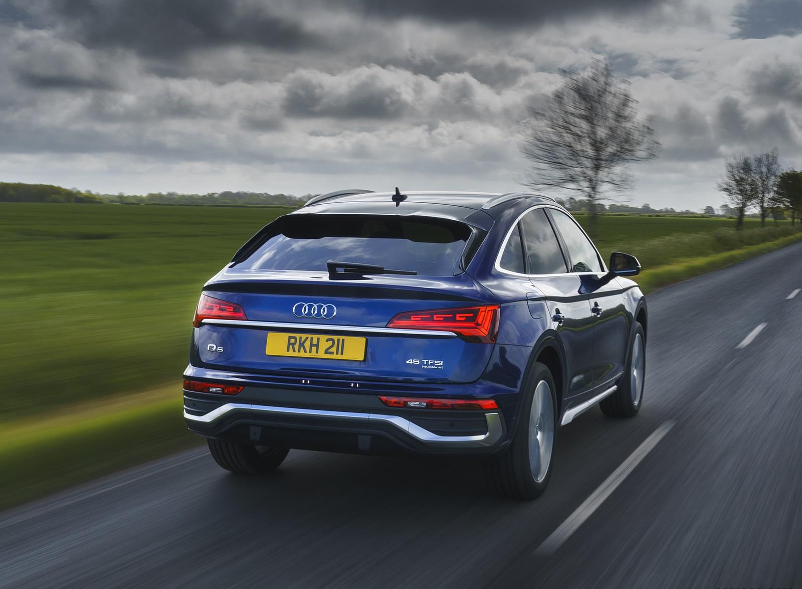 2021 Audi Q5 Sportback (UK-Spec) Rear Wallpapers  (5)