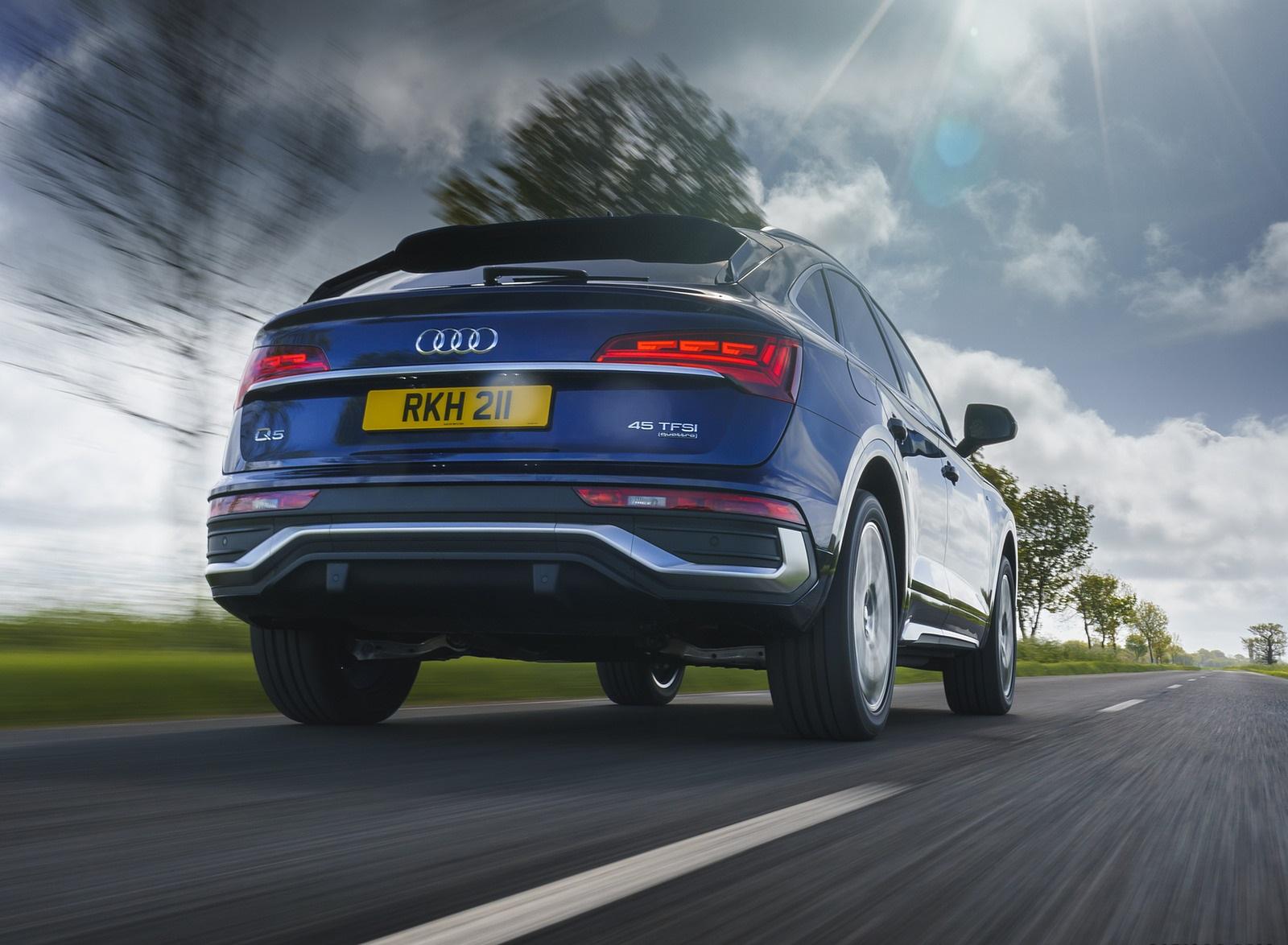 2021 Audi Q5 Sportback (UK-Spec) Rear Wallpapers  (6)