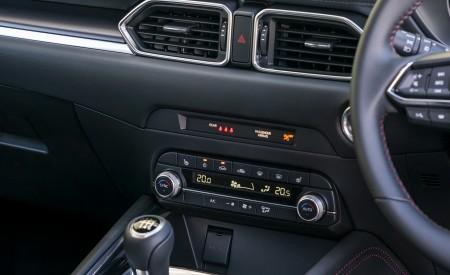 2021 Mazda CX-5 Kuro Edition Central Console Wallpapers 450x275 (71)