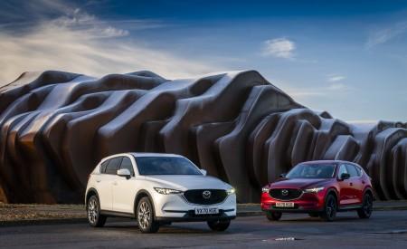 2021 Mazda CX-5 Kuro Edition Front Three-Quarter Wallpapers 450x275 (39)