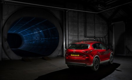 2021 Mazda CX-5 Kuro Edition Rear Three-Quarter Wallpapers 450x275 (55)