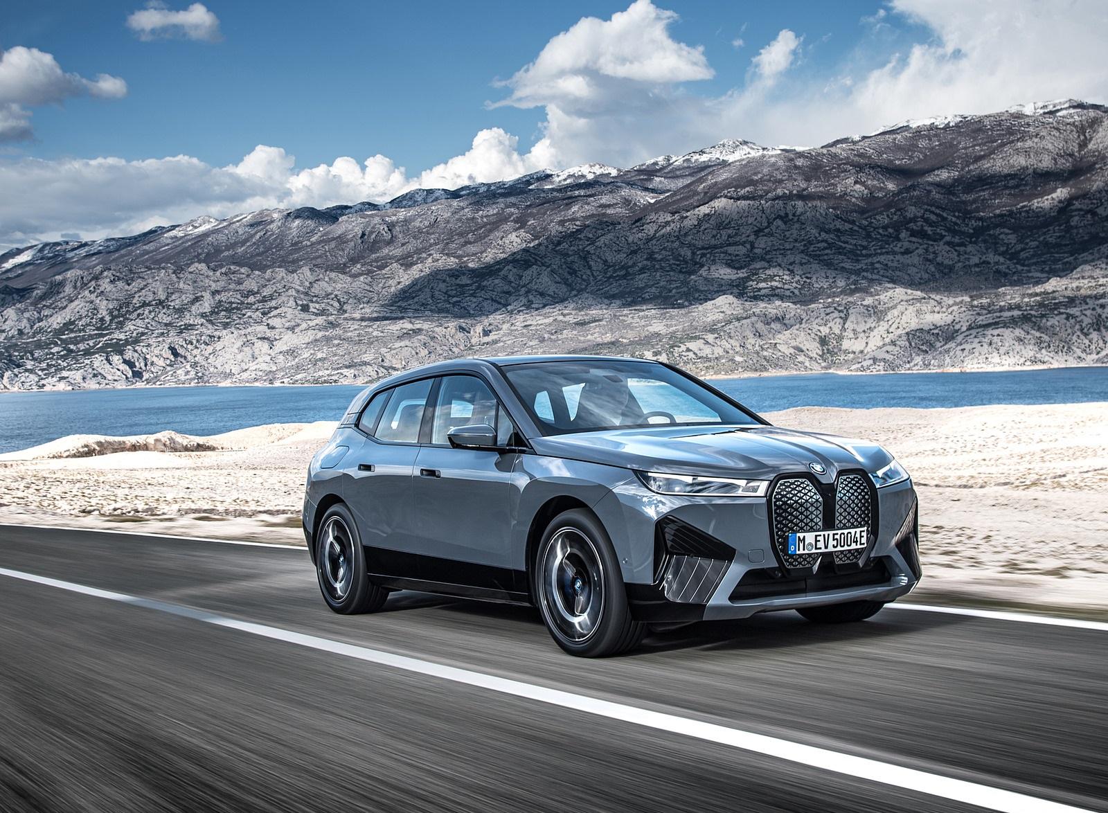 2022 BMW iX xDrive50 Front Three-Quarter Wallpapers  (4)
