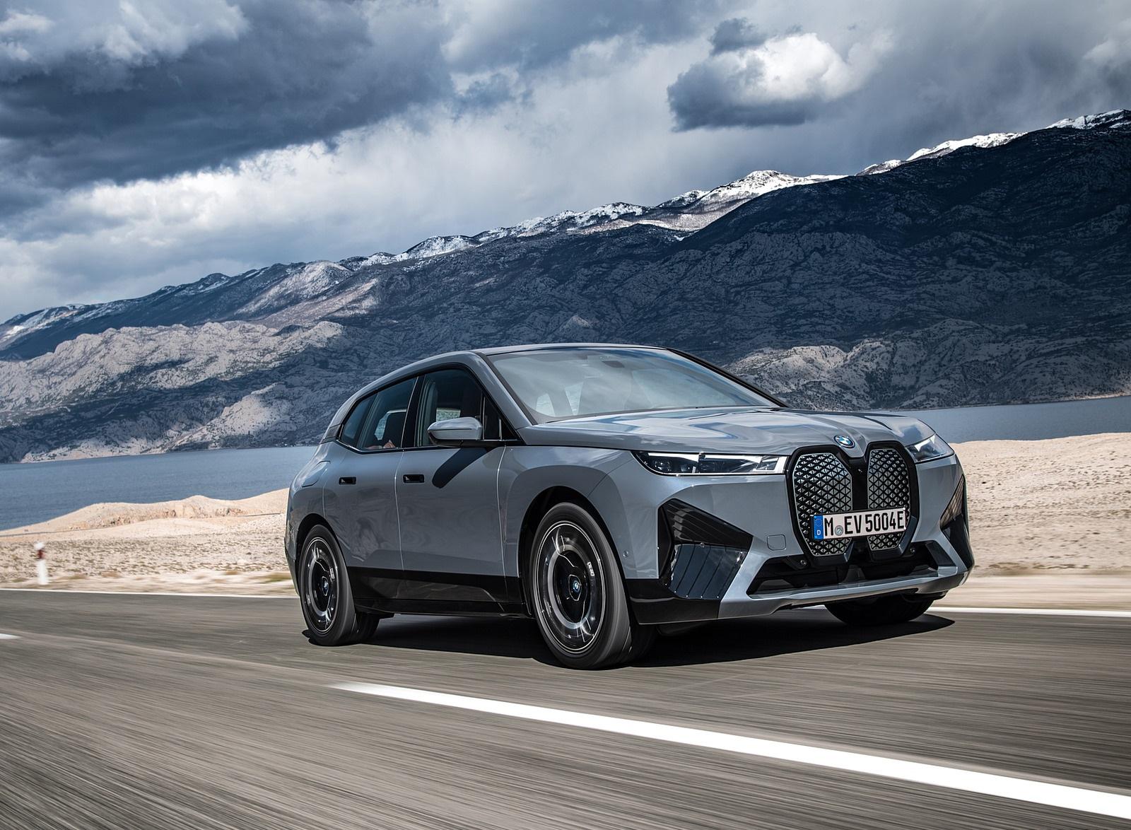 2022 BMW iX xDrive50 Front Three-Quarter Wallpapers  (9)