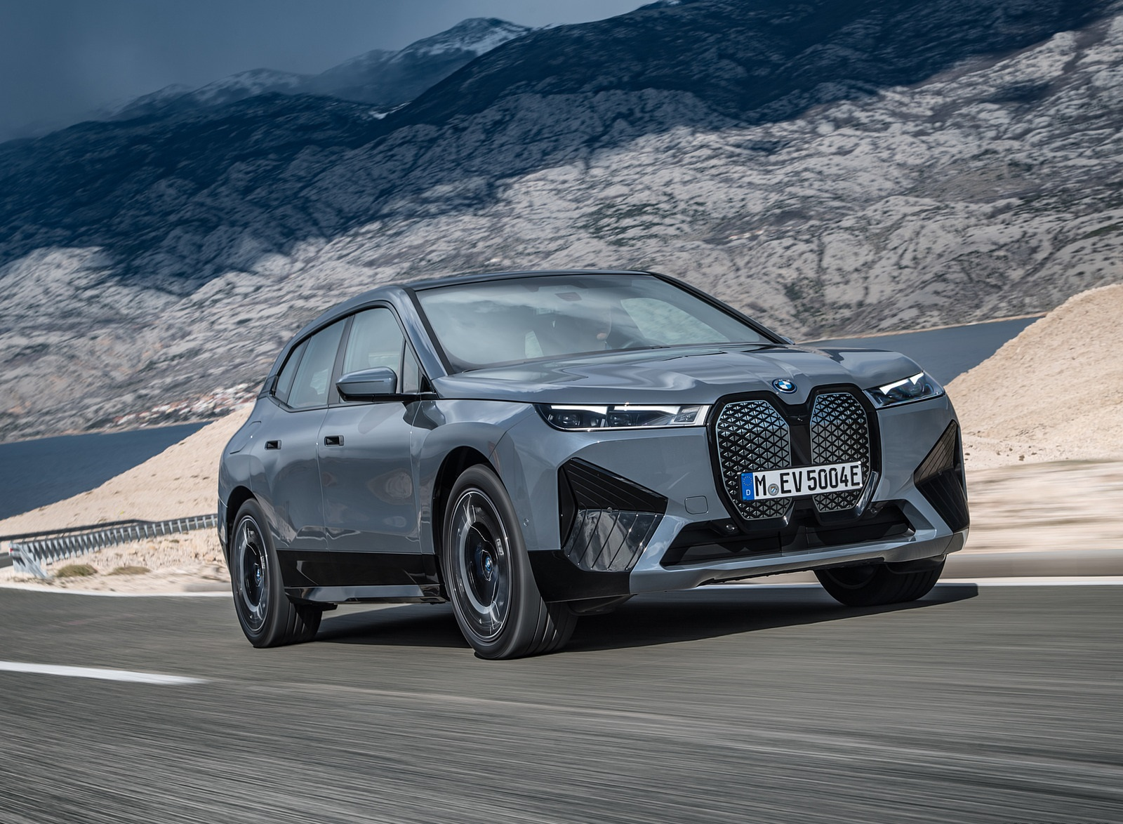 2022 BMW iX xDrive50 Front Three-Quarter Wallpapers (7)