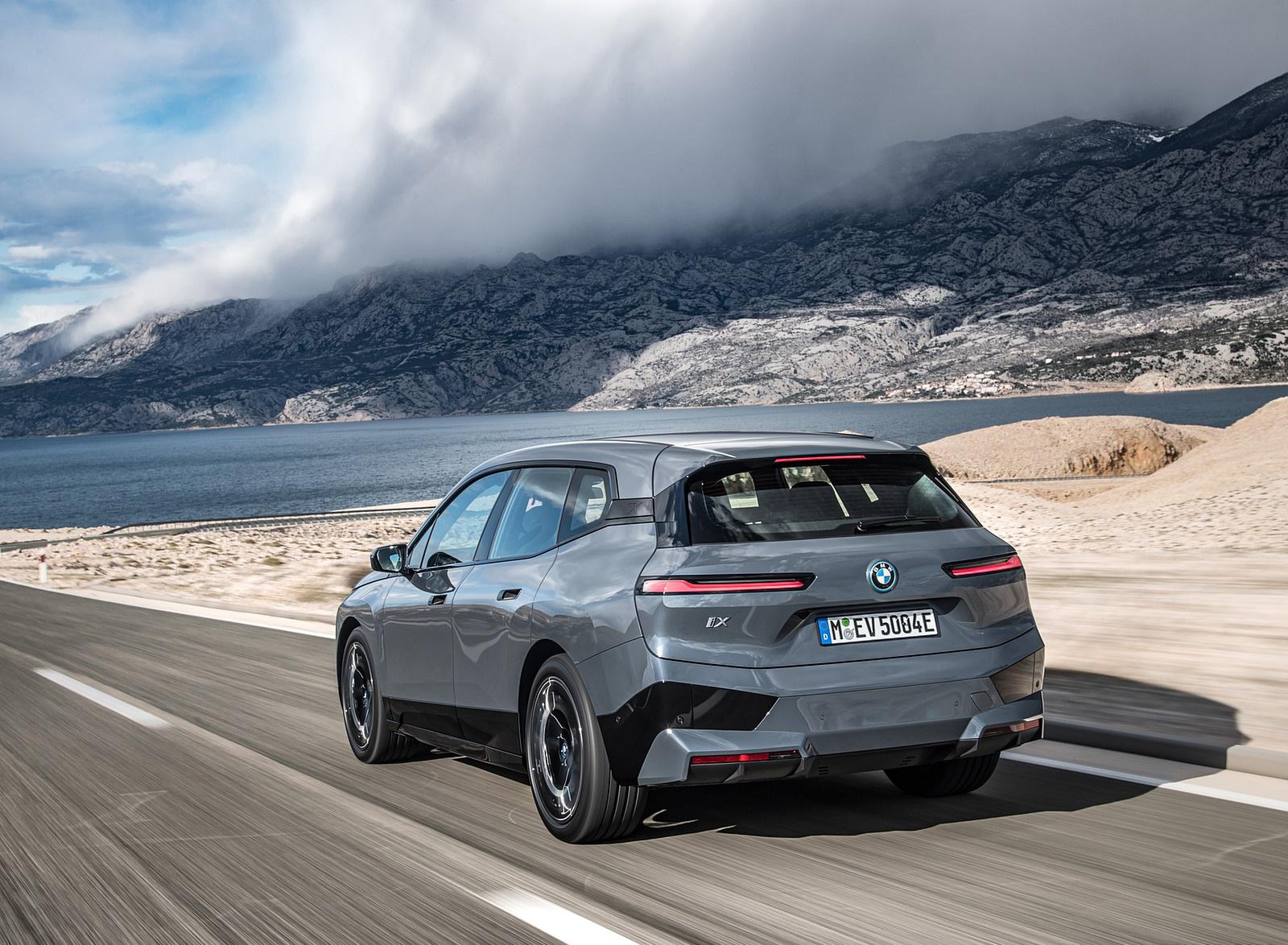 2022 BMW iX xDrive50 Rear Three-Quarter Wallpapers (3)