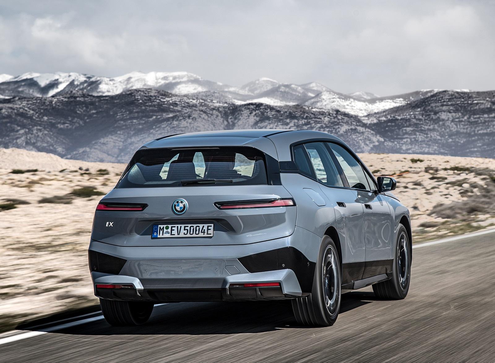 2022 BMW iX xDrive50 Rear Wallpapers (5)