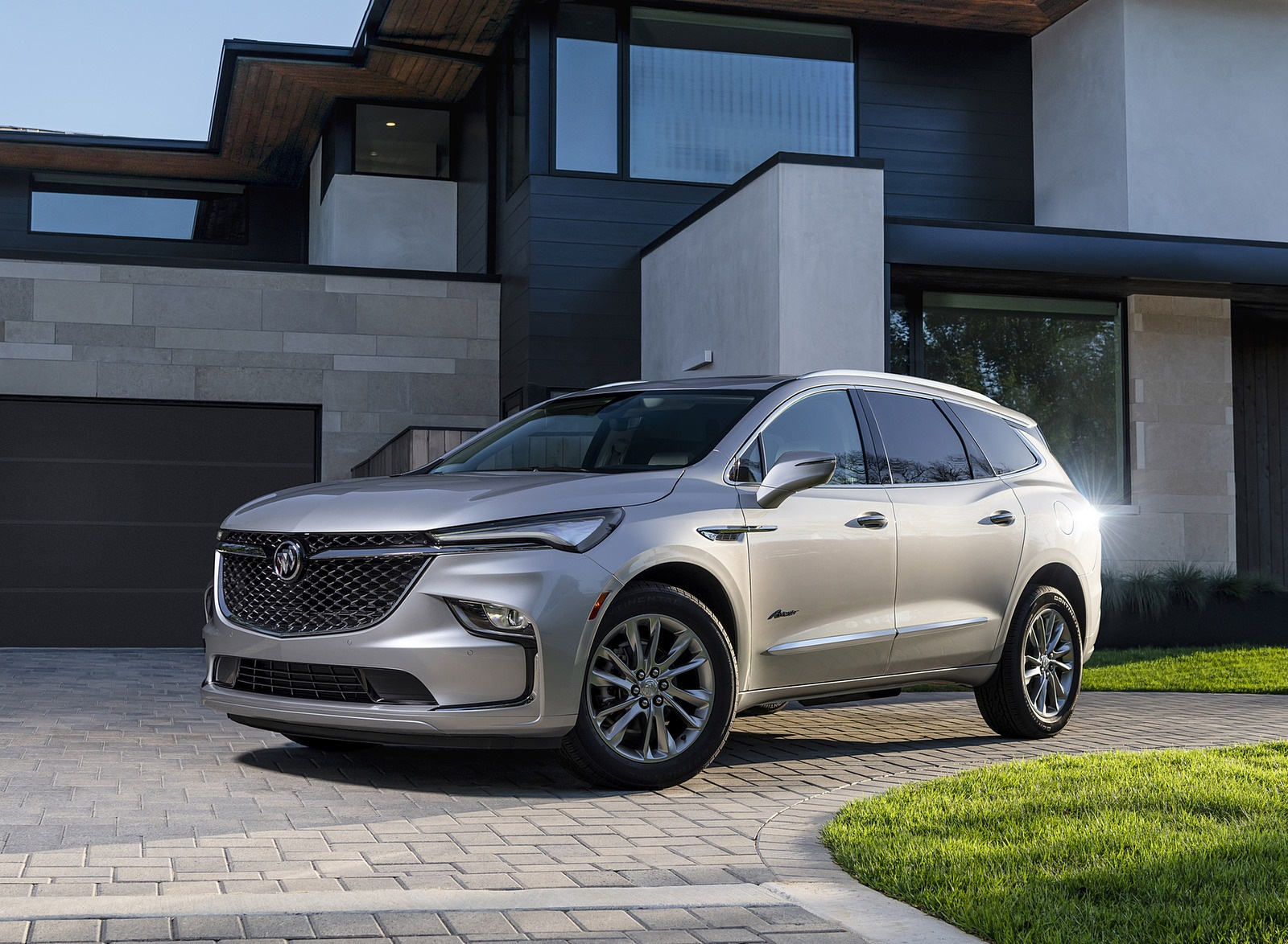 2022 Buick Enclave Avenir Front Three-Quarter Wallpapers (6)