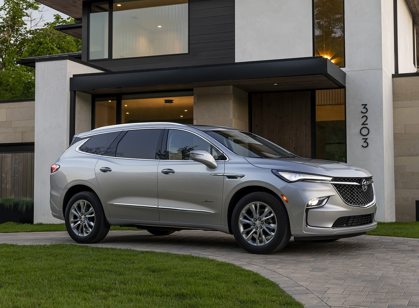 2022 Buick Enclave Avenir Front Three-Quarter Wallpapers (7)