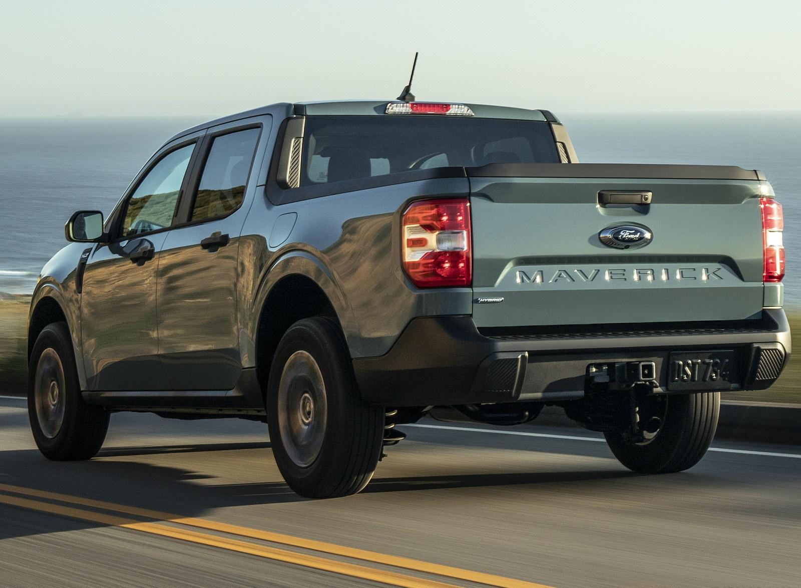 2022 Ford Maverick Hybrid XLT Rear Three-Quarter Wallpapers (4)