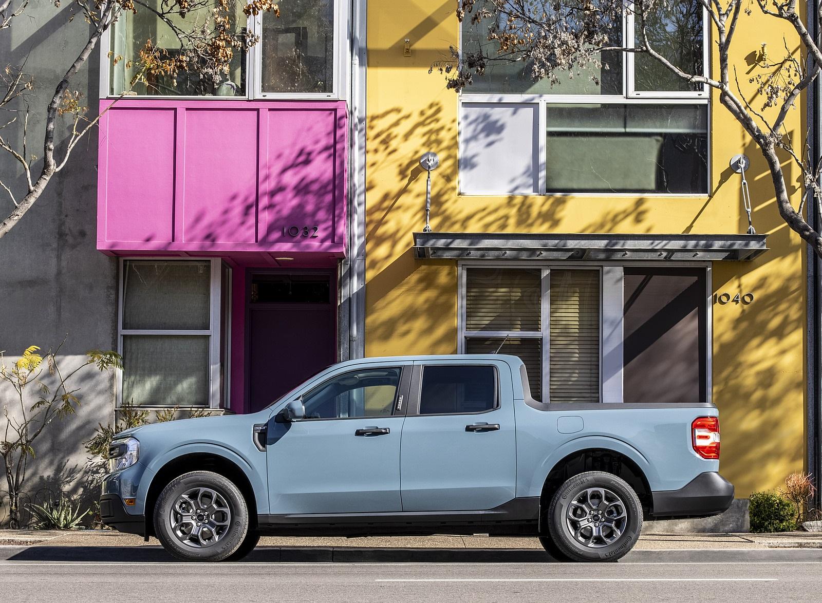 2022 Ford Maverick Hybrid XLT Side Wallpapers (10)