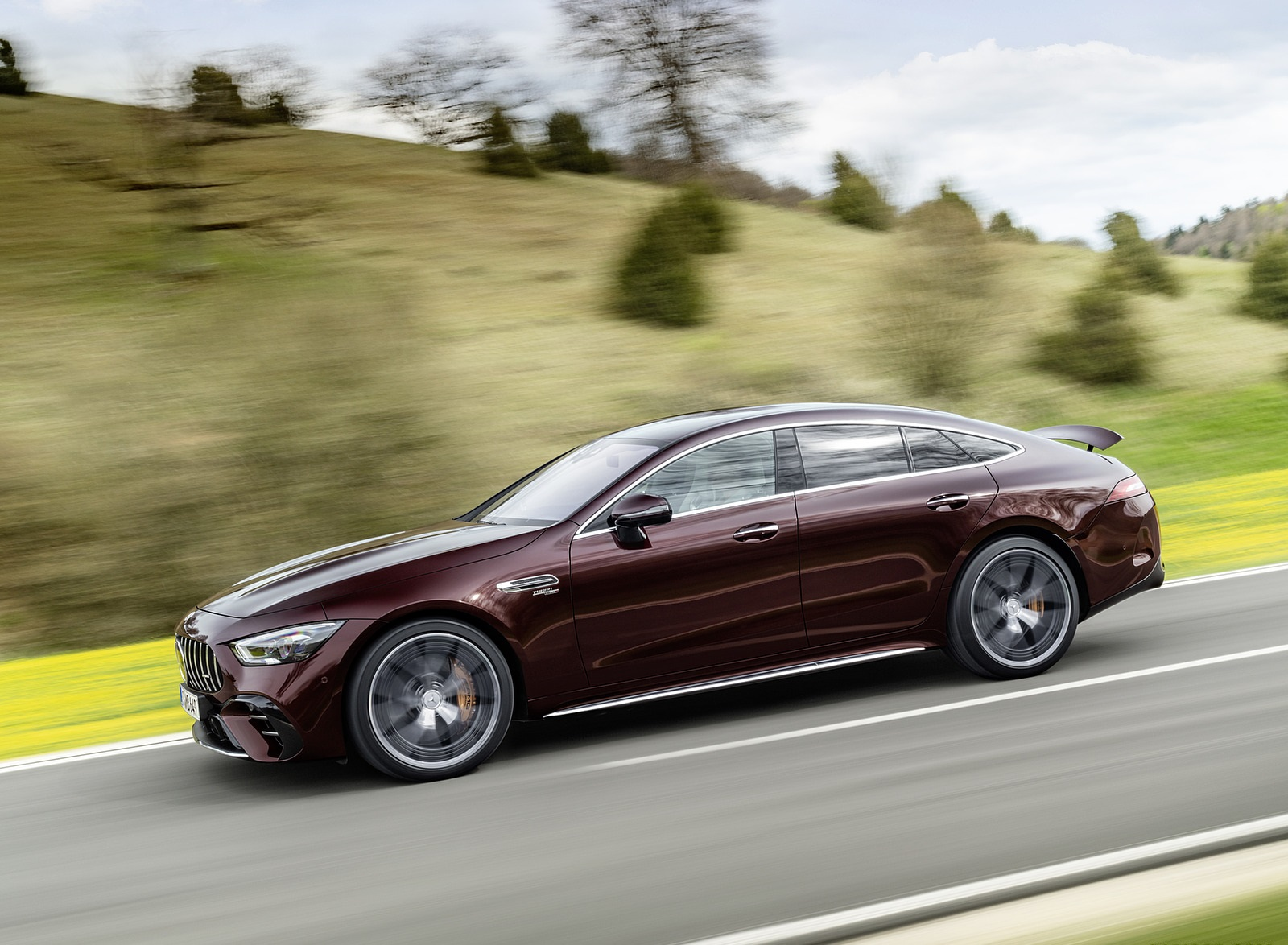 2022 Mercedes-AMG GT 53 4MATIC+ 4-Door Coupe (Color: Rubellite Red) Side Wallpapers (2)