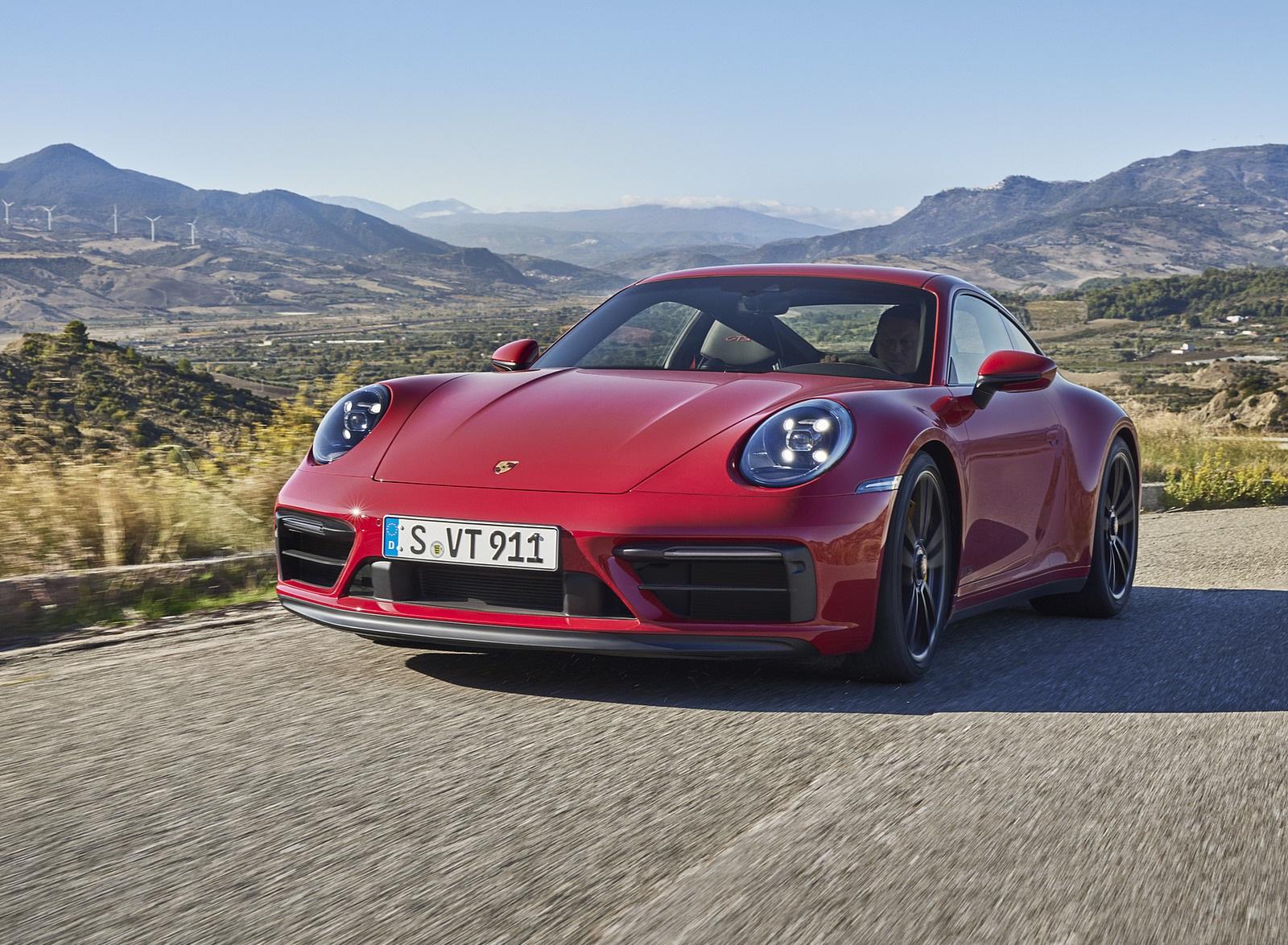 2022 Porsche 911 Carrera GTS Front Three-Quarter Wallpapers (1)