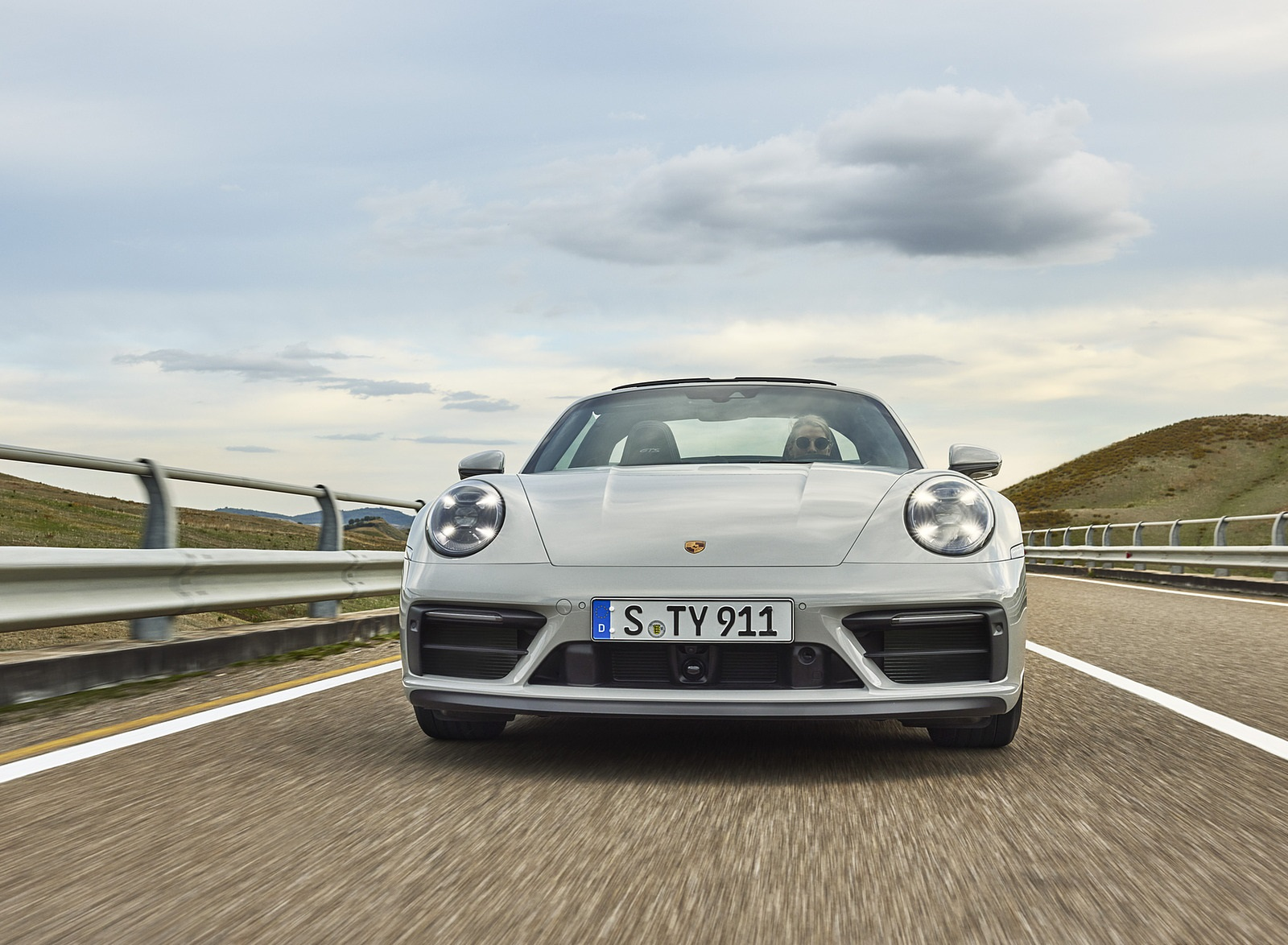 2022 Porsche 911 Targa 4 GTS Front Wallpapers (6)