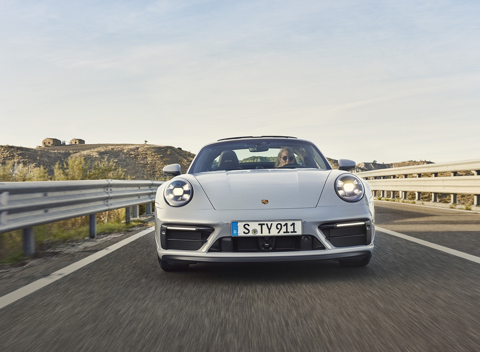 2022 Porsche 911 Targa 4 GTS Front Wallpapers (7)