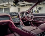 2021 Bentley Bentayga Plug-In Hybrid First Edition (Color: Ghost White) Interior Wallpapers 150x120 (27)