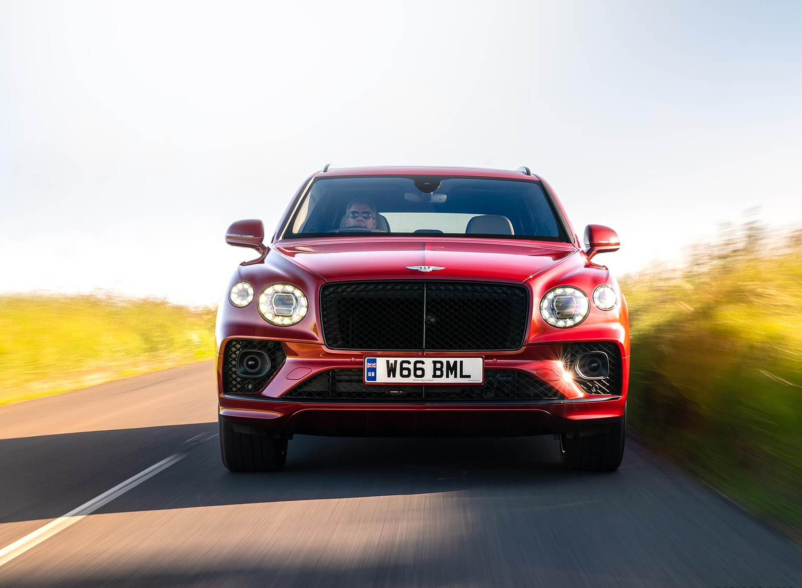 2021 Bentley Bentayga Plug-In Hybrid First Edition First Edition (Color: Dragon Red) Front Wallpapers (2)