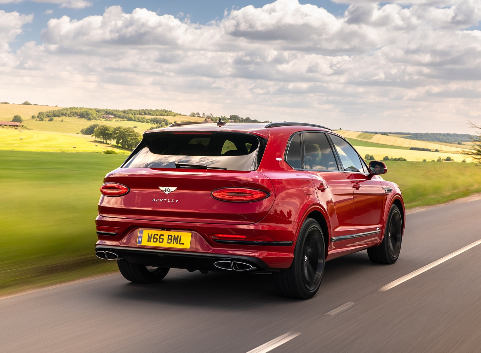 2021 Bentley Bentayga Plug-In Hybrid First Edition First Edition (Color: Dragon Red) Rear Three-Quarter Wallpapers (5)