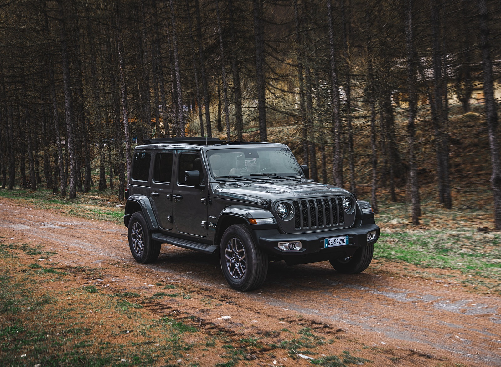 2021 Jeep Wrangler 4xe (Euro-Spec; Plug-In Hybrid) Front Three-Quarter Wallpapers (3)