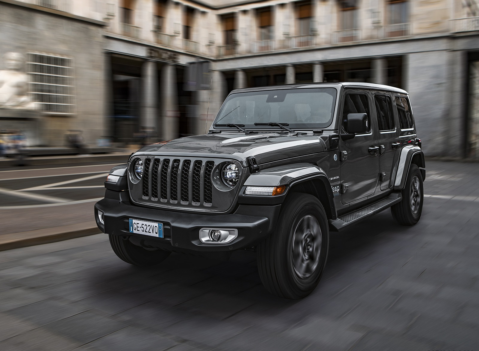 2021 Jeep Wrangler 4xe (Euro-Spec; Plug-In Hybrid) Front Three-Quarter Wallpapers (10)