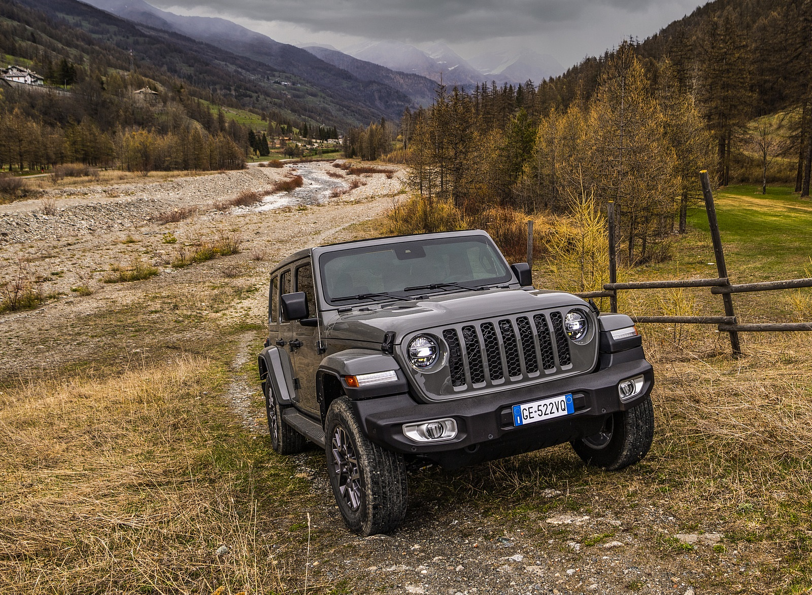 2021 Jeep Wrangler 4xe (Euro-Spec; Plug-In Hybrid) Front Wallpapers (6)