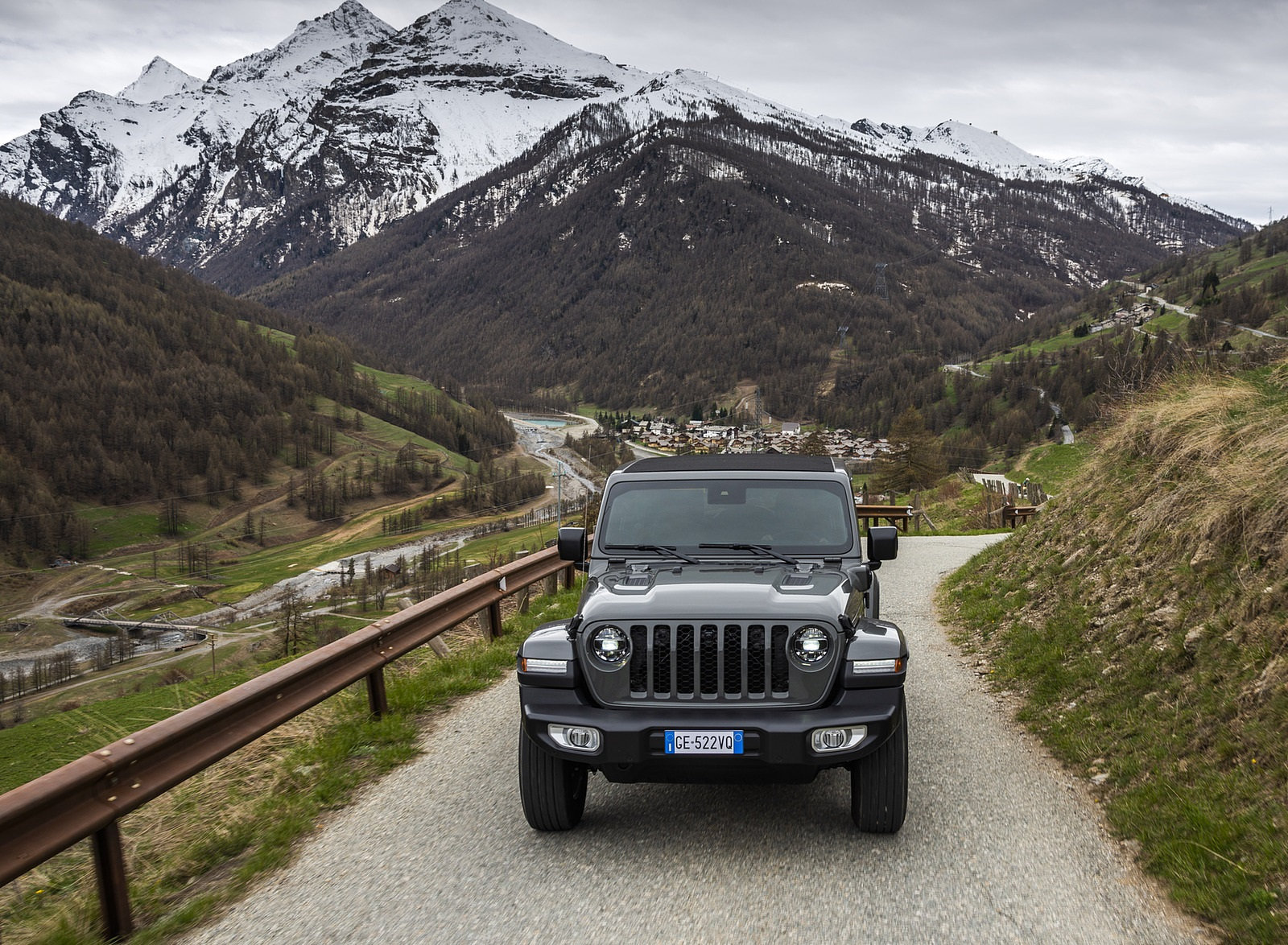2021 Jeep Wrangler 4xe (Euro-Spec; Plug-In Hybrid) Front Wallpapers (7)