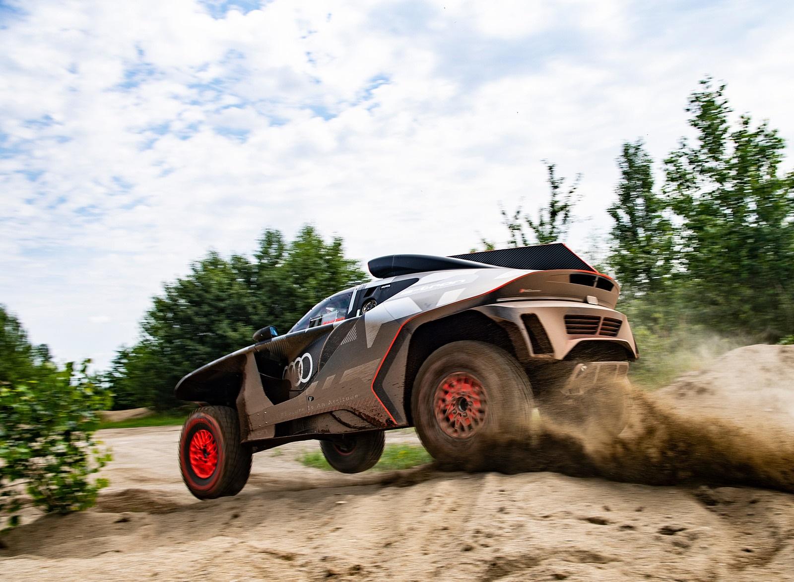 2022 Audi RS Q e-tron Dakar Rally Testing Wallpapers (9)